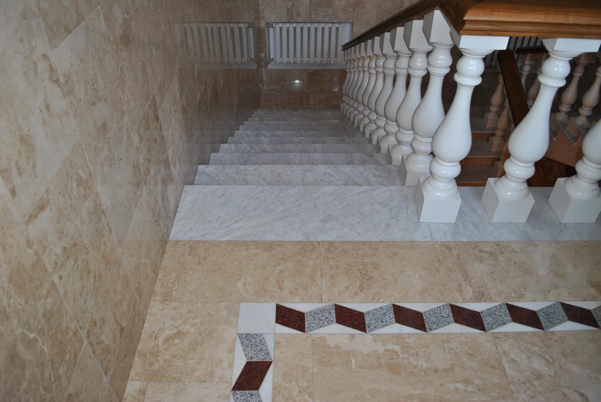 Лестница в деревянном доме своими руками фото